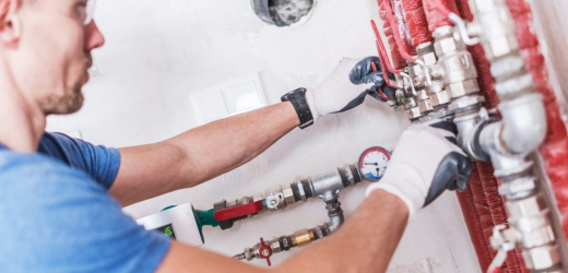 Who Do You Call for Emergency Hot Water Heater Repair?